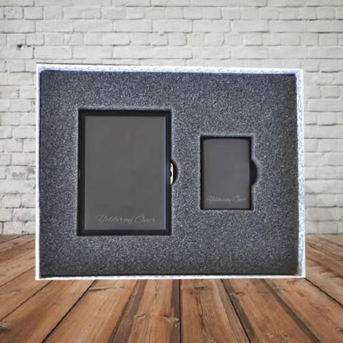 Kişiye ve İsme Özel Siyah Metal Sigara Tabakası ve Çakmak Seti - Kutu Mesajı