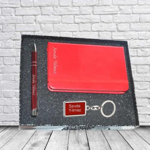 Kişiye ve İsme Özel Kırmızı Defter, Kalem ve Anahtarlık Seti - Kutu Mesajlı